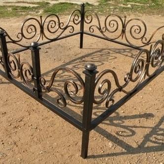 Кованые оградки на могилу в Красноярске